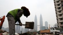 Foreign workers are not stealing your jobs or suppressing wages, says report