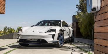 保時捷喊話:電動車能跑 400 公里就夠用,沒有必要一昧拉高續航里程