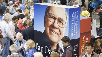 Buffett's 'unforeseen investment lesson'