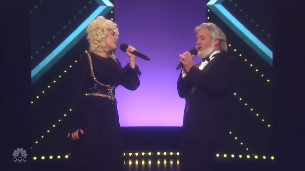 Miley Cyrus Becomes Dolly Parton In Classic 39 Islands In