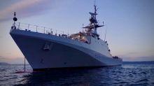 Quattro motovedette da guerra e una flottiglia di pescherecci per i diritti nell'isola di Jersey
