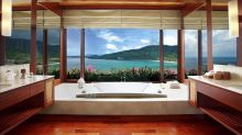 18 luxury bathrooms with the best views