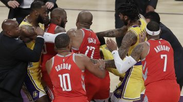 Brawl breaks out in LeBron's L.A. home opener