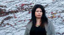 """""""Cometierra"""", la historia de femicidios que escribió Dolores Reyes, ya se lee en italiano, francés e inglés"""