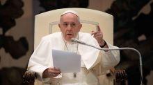 El papa carga contra los que van a misa para hacerse ver