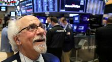 Wall Street sobe com impulso de ações de tecnologia sob liderança da Apple