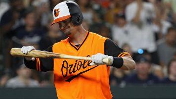 Orioles catcher tells it like it is: 'We suck'