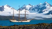 Adventurer sails to Antarctica on 100-year-old ship