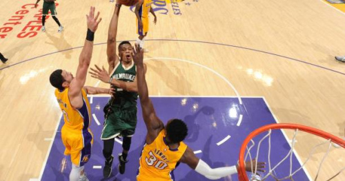 Basket - NBA - Les Los Angeles Lakers officiellement éliminés de la course aux play-offs