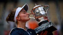 法網》以天上教練為名! 從青少年神童、雙打球后變身成新科法網冠軍