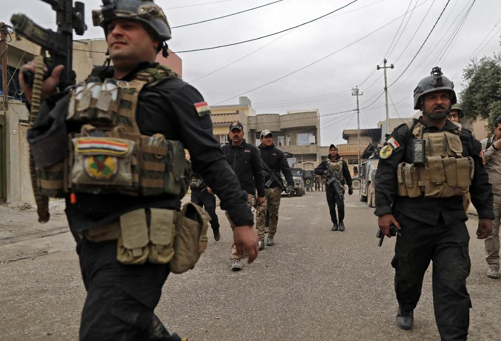 Iraqi commanders have said it would only take a few more days to flush out the last IS jihadists remaining on the east bank of the Tigris River than splits Mosul city in two