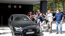 Jorge Messi confirma que Messi se plantea cumplir su contrato con el Barça