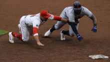 Naylor hits into triple play, makes key E, Reds edge Indians