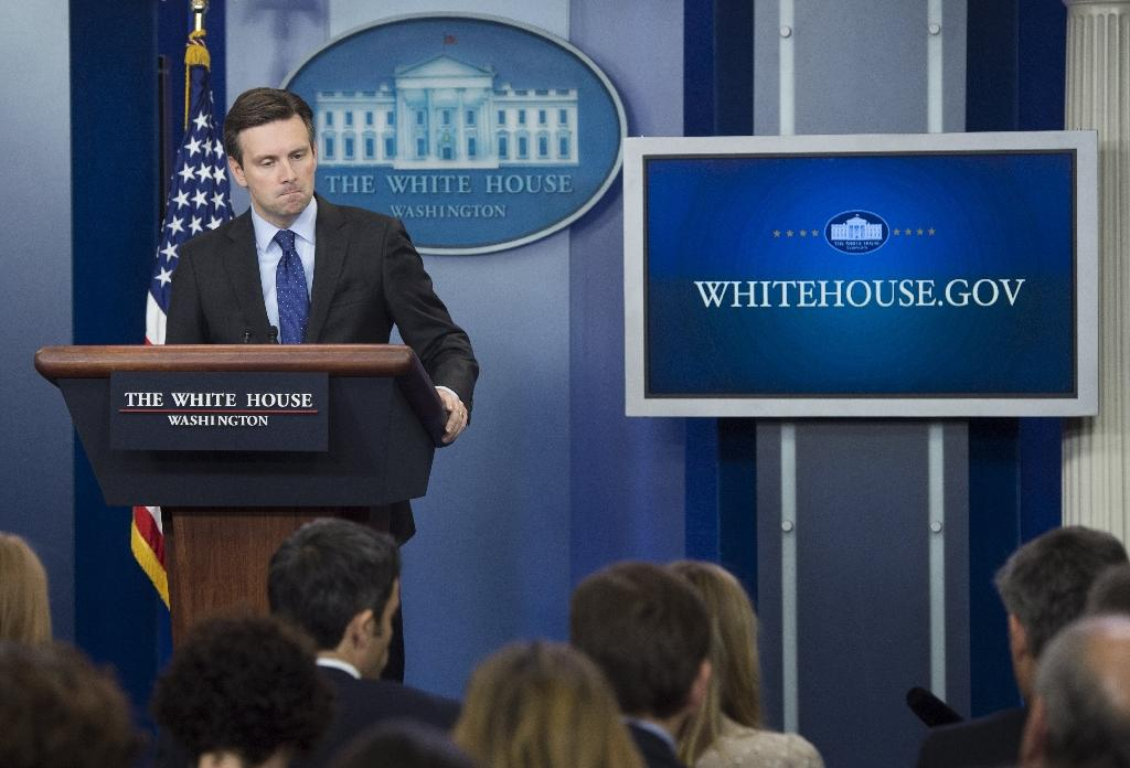 White House Press Secretary Josh Earnest speaks about the decision to put a small group of US Special Forces in Syria, during the Daily Press Briefing at the White House in Washington, DC on October 30, 2015 (AFP Photo/Saul Loeb)