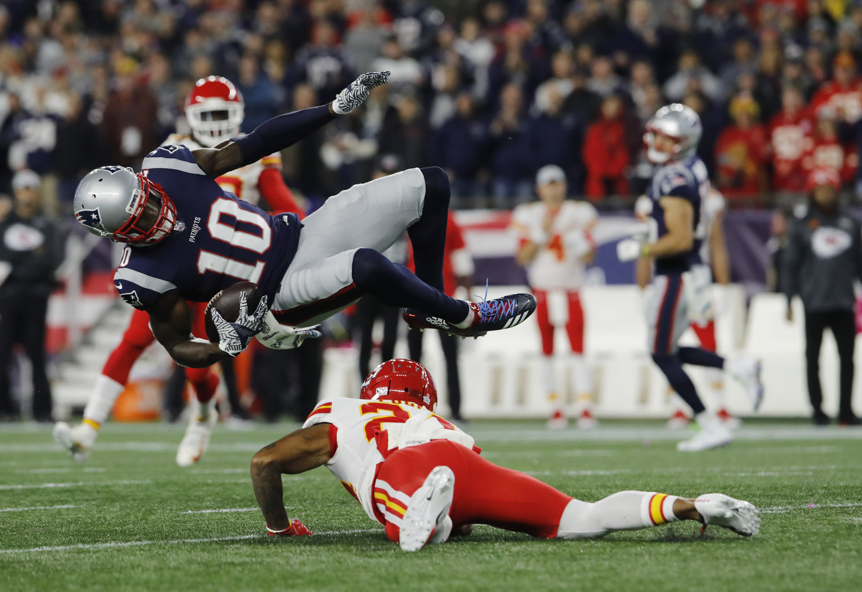 Patriots put more on Gordon's plate as he's leaned on for a majority of snaps