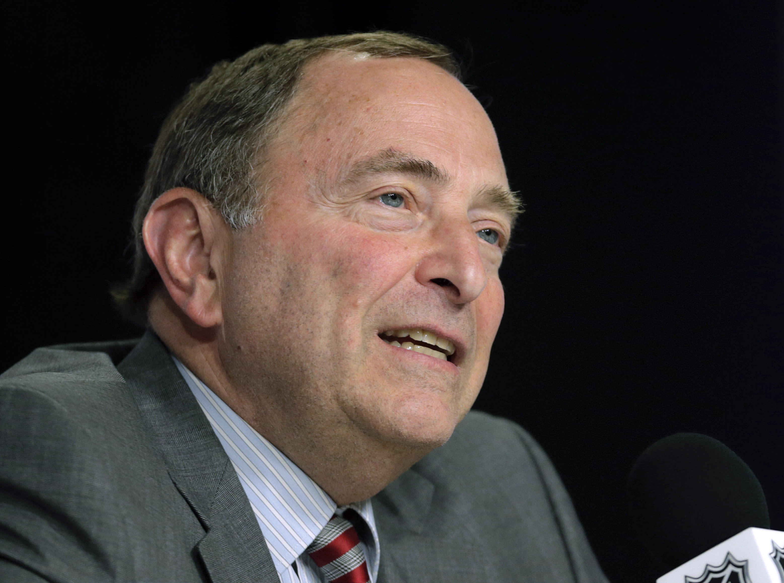 Bettman Nhl Board Approves Coyotes Sale New Arena Needed