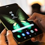 Samsung's Foldable Screens Fail in Some Early Review Models