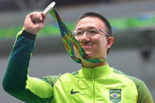 Felipe Wu classificado para duas etapas da Copa do Mundo de Tiro