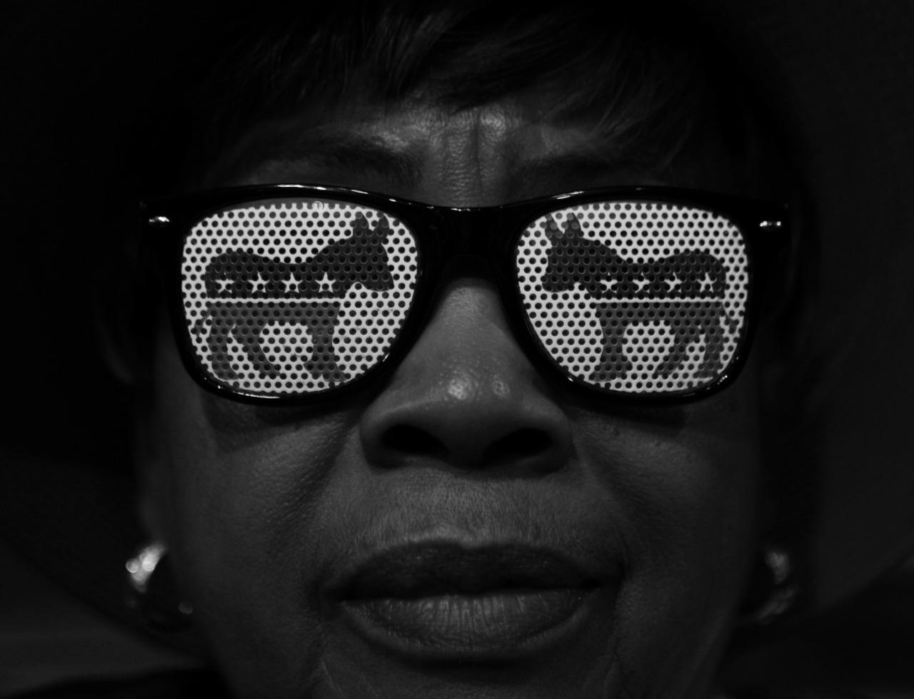 <p>Louisiana delegate Sylvia Crier shows her support for her party and for Hillary Clinton during the Democratic National Convention in Philadelphia, PA on July 28, 2016. (Photo: Khue Bui for Yahoo News)</p>