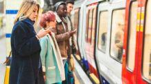 Cómo protegerte de la gripe si vas en transporte público
