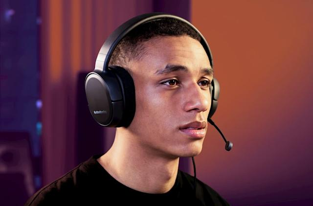 SteelSeries' $50 Arctis headset is for gamers on a budget