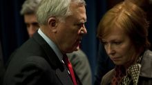 Top US health official resigns in conflict of interest