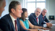 La oposición a Boris Johnson lanza un plan que podría cambiar el guion del Brexit