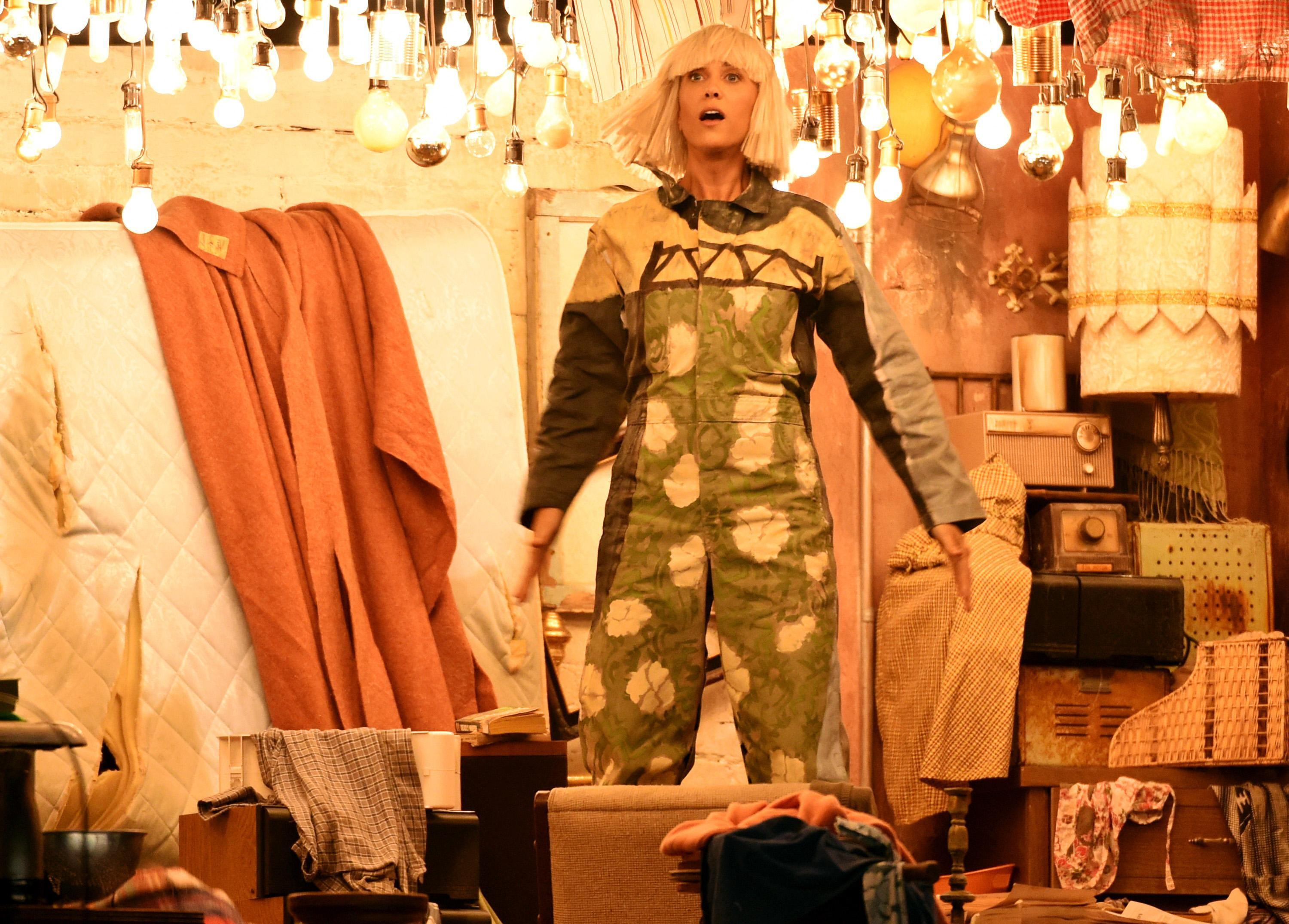 maddie wiig Sia Parodies Self, Recruits Kristen Wiig for 'Chandelier' Grammy  Performance [Video]