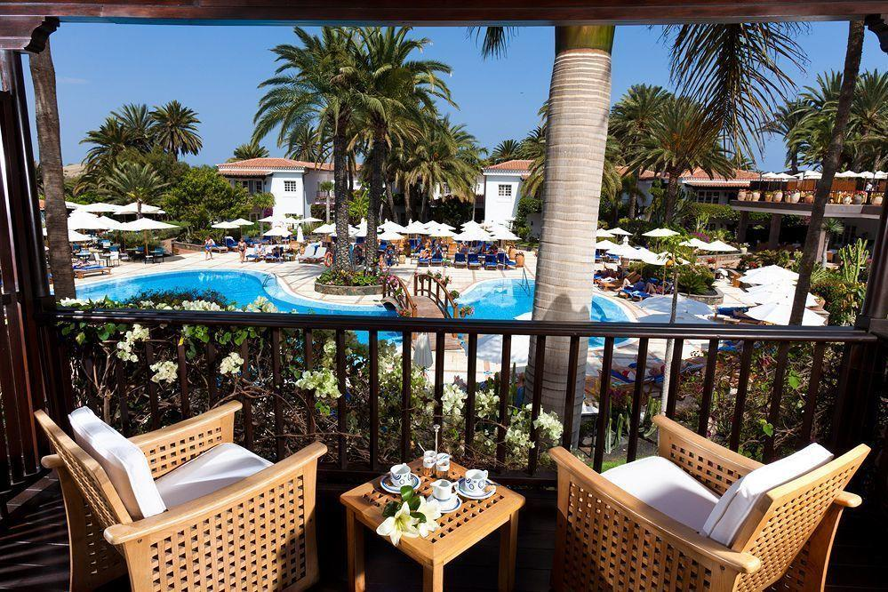 """<p>In the heart of the lovely town of Maspalomas, this five-star hotelis designed in the Spanish colonial style with 94rooms located in small two-storey villas. Interior design was created by the prestigious French architect Alberto Pinto. TripAdvisor reviewers rave about this 'oasis of peace and tranquility.' For more, visit<a href=""""http://www.grand-hotel-residencia.co.uk/"""" target=""""_blank"""">grand-hotel-residencia.co.uk</a>.</p>  <p></p>  <p></p>"""