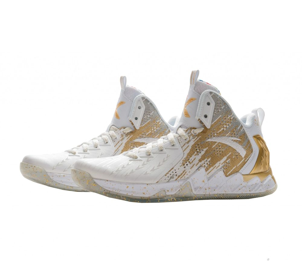 Klay Thompson's signature Anta shoe has his