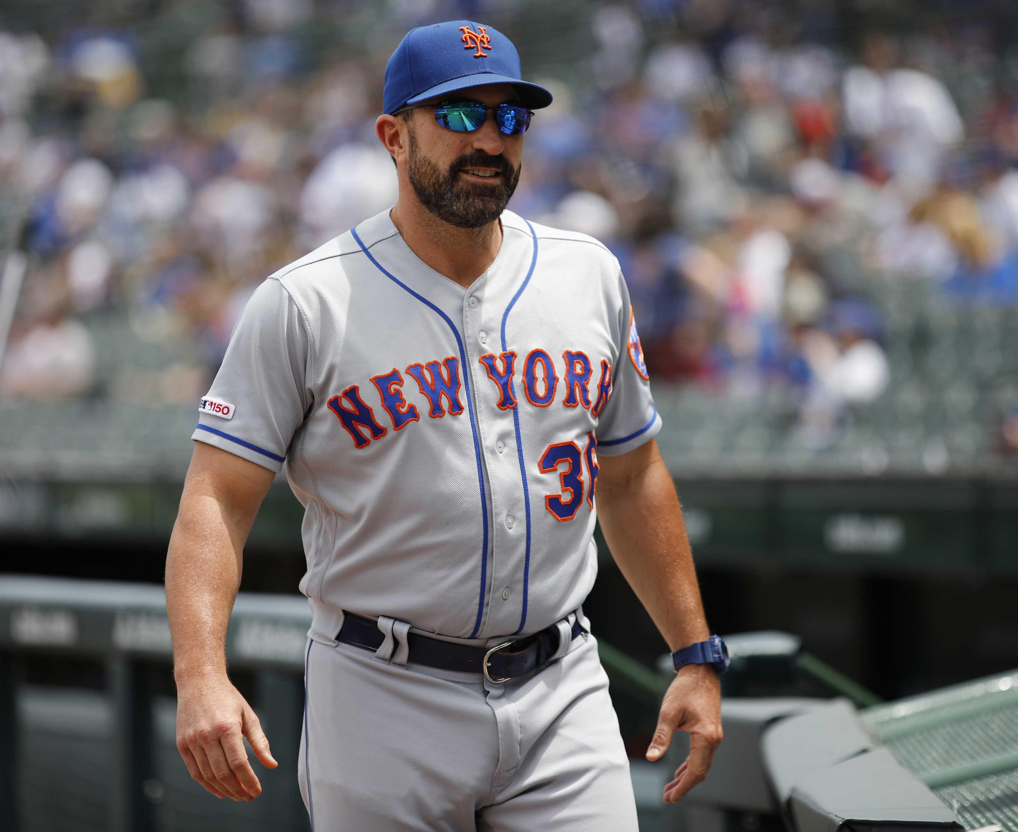 Mets' Mickey Callaway, Jason Vargas snap on reporter