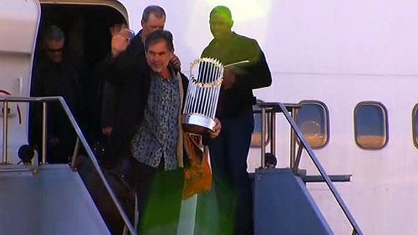 SF Giants arrive at San Francisco Intl Airport