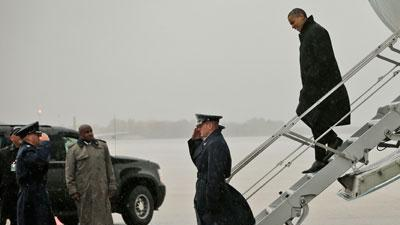 Raw: Obama's wet arrival at Andrews AFB