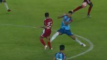 Escalofriante y salvaje agresión en el fútbol boliviano