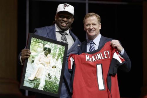 Takk McKinley with Roger Goodell on draft night. (AP)