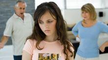 El peligro que acecha a los jóvenes de 12 y 17 años (y cómo puedes protegerles)