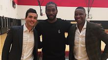 Look: Kawhi has arrived in Toronto… and he's even smiling