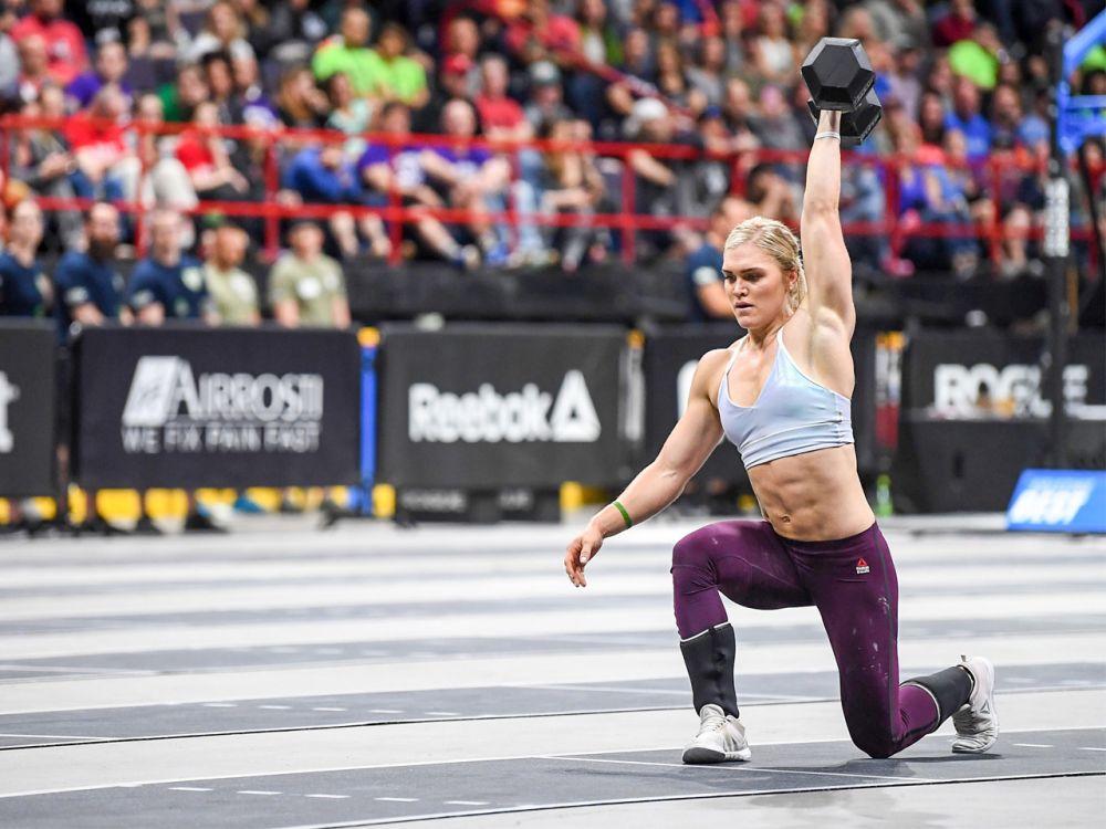 """Platz 1 der Frauen: Schon seit zwei Jahren hält Katrín Davíðsdóttir den Titel """"Fittest Woman of the Year"""" inne. Und auch bei den CrossFit Games 2017 dürfen Zuschauer Großes von ihr erwarten. Die Isländerin legt einen 400-Meter-Sprint in 1:05 Minuten zurück. Zum Vergleich: Ruth Sophia Spelmeyer ist Deutsche Meisterin im 400-Meter-Lauf. 2017 legte sie eine Bestzeit von 51,84 Sekunden hin. (Bild-Copyright: Photo courtesy of CrossFit Inc.)"""