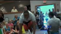 Thunder players visit Moore schools