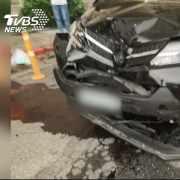 女酒駕連撞2車釀5傷 酒測值高達1.3