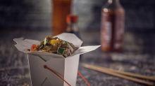 Genialer Trick: Mitnahme-Boxen vom Asiaten lassen sich zum Teller umbauen