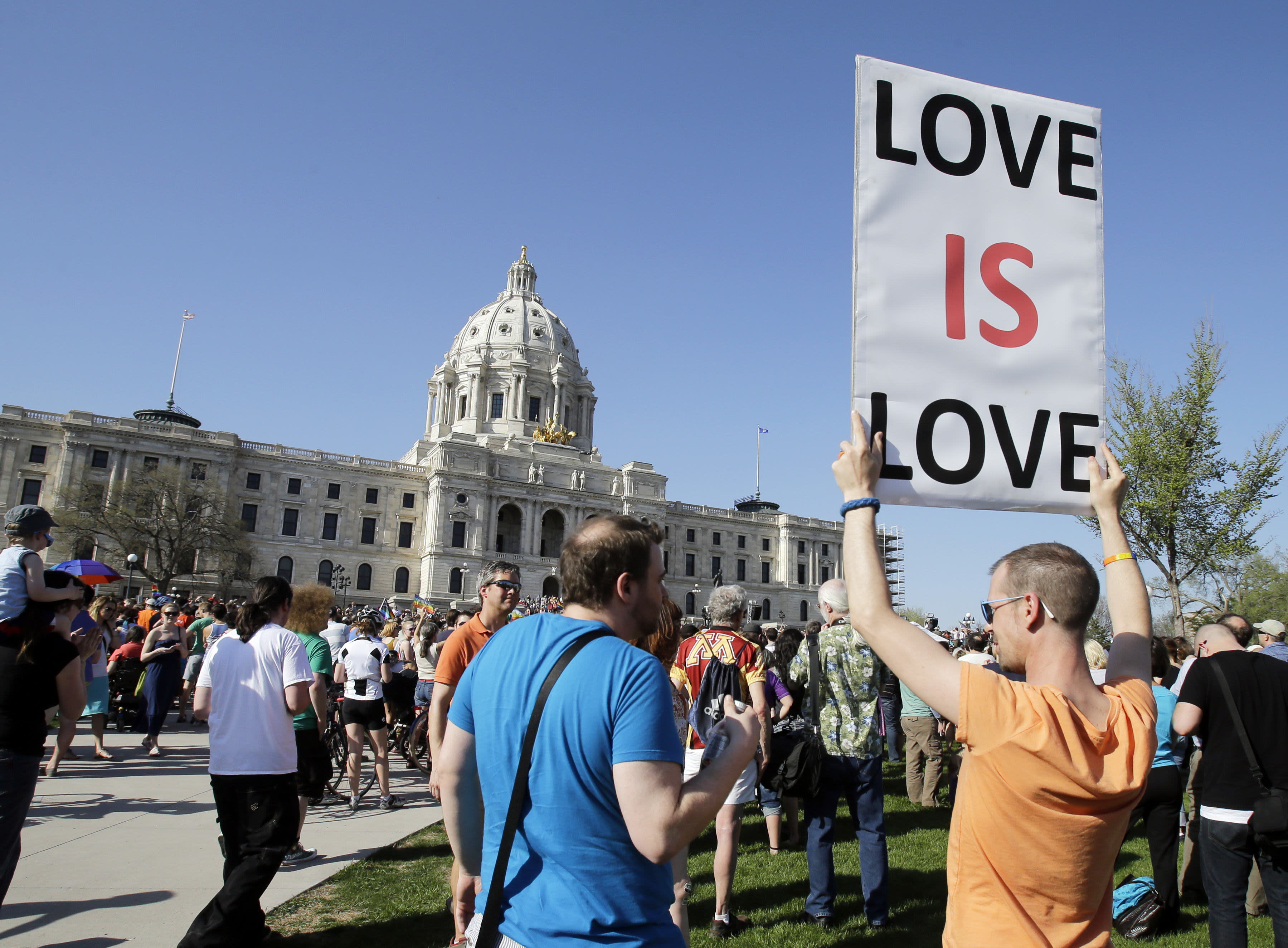 Couples wed in duluth as gay marriage becomes legal in minnesota
