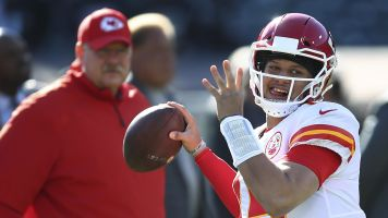 Reid: Can't 'put a timeline' on Mahomes recovery