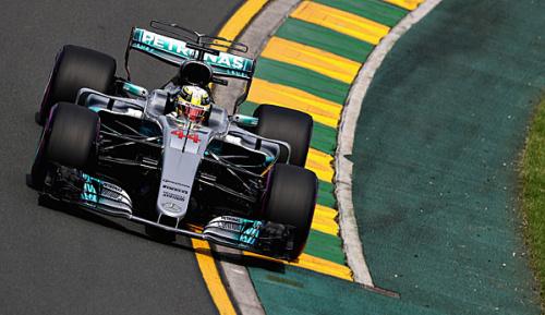 Formel 1: Training: Hamilton Schnellster - Vettel Zweiter