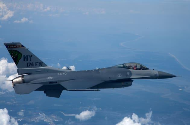 The US Air Force will train with remote-controlled F-16s
