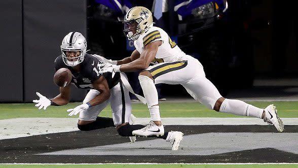 Derek Carr tosses three touchdowns as Raiders win Las Vegas debut 34-24 over Saints