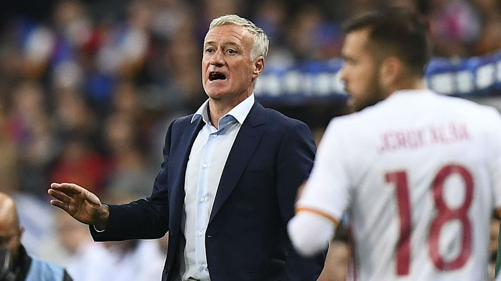 "France, Deschamps : ""La vidéo ? Ça change le football"""