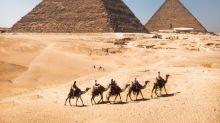 攝影師摸黑爬金字塔 拍疑似性交相被調查