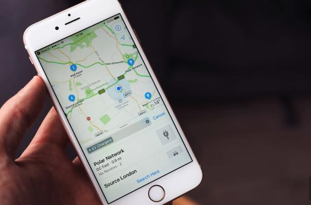 Apple Maps now lists UK EV chargers and public bikes