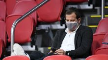 """Soccer-Spain hit back after Van der Vaart's """"horrible"""" taunt"""